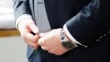 上司「お?その時計どこのメーカー?」俺「3000円の竹製ノーブランドです」
