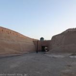 『ウズベキスタン旅行記11 ヒヴァのイチャン・カラの城壁散歩が「進撃の巨人」の世界感で最高に楽し過ぎたのでお勧め』の画像
