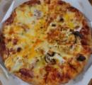 (   ´,,・ω・,,`   )ピザ来たぞー