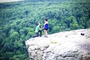 【国際】大学生が崖から落下して死亡、有名スポットで自撮りの最中に崖で足を踏み外す