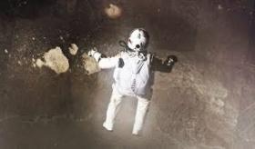 【宇宙】   人が宇宙から地面へ着地するまでの9分間(一人称視点)。   海外の反応