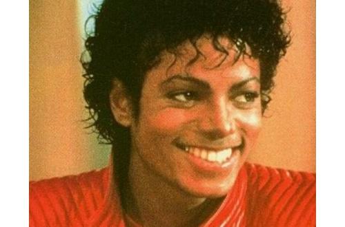 【画像あり】結局マイケル・ジャクソンの幽霊が出たら白人なの黒人なの?のサムネイル画像