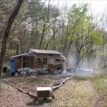 東大卒業後に10万円で作った小屋に暮らしてる人が見つかるwww