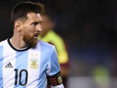 アルゼンチンメディアがメッシを大バッシング!「普通のプレーもできないのか!」
