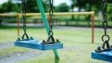 【朗報】ワイ氏(28)ニート、公園のブランコを3時間独占してしまうwww