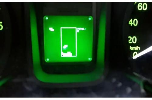 車メーカー「裏技でテトリスいれました。3000RPMでトリップメーターのツマミを回してください」 のサムネイル画像