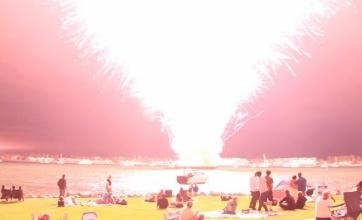【悲劇】2万発の花火が一瞬で打ち上がった瞬間wwwwwwww