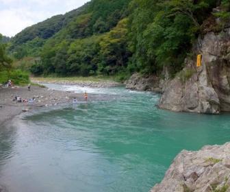 【静岡】「川に飛び込み上がってこない」インドネシア人2人死亡 藁科川
