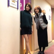 小林麻耶(36)女子のミニスカ美脚姿が美しい【画像あり】 アイドルファンマスター