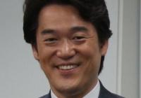 小西洋之「民主主義を破壊した安倍総理が百田尚樹氏の日本国紀からどのような学びを得るつもりなのか?悪い冗談のようだ…」