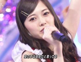 【朗報】日本一のアイドルグループ乃木坂46のまいやんさんがまたデコ出し披露