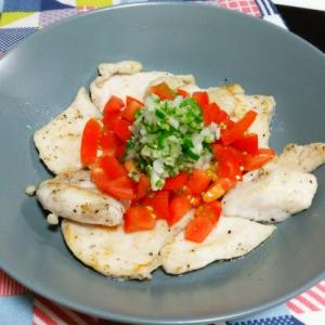 鶏ムネ肉と青唐辛子のあっさりソテー
