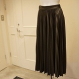 『DUAL VIEW(デュアルヴュー)メタリックプリーツスカート』の画像