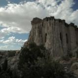 『ニューメキシコの芸術家が10年かけて作った自分だけの洞窟』の画像