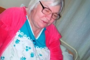 【キラーおばあちゃん】63歳のおばあちゃん、アル中で暴れる息子(42)をフライパンで撲殺し70個以上のピースに切り刻む  ロシア