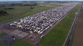 【英国】ドーバー海峡でトラック数千台が立ち往生…コロナ変異種拡大でフランスが封鎖、物流を完全に遮断
