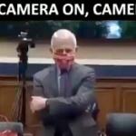 米コロナ対策の責任者ファウチ「マスクガー!」⇒ カメラオフになった途端マスクを外す