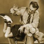 学校の先生を訴えて正当な罰を与えたい!
