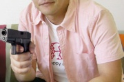 サンドイッチマンの拳銃持ってる画像wwwww