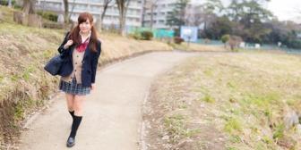 【馴れ初め】当時高校生の嫁は他校でも噂になるほど美人。→卒業して社会人に。→飲み友達になる。→嫁が8つ年上の男(既婚者)と付き合い始める。→