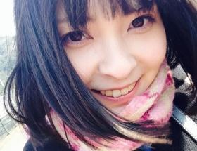 【悲報】 HKT48メンバー草場愛さん 男と遊園地デートしてる所をファンが激写 解雇されるwwwww