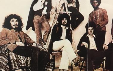 『ニール・ショーン「大物になりそうでならない欲張りギタリスト」』の画像