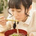 食べ物はクチャクチャ食べた方が体に良く、美味しく食べられるのではないか?