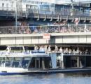 ベルリンで男の放尿により船の乗客複数人が怪我