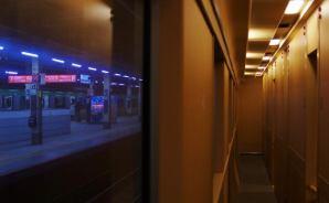 廊下にこそ「夜行列車の佇まい」