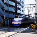 ■「大神宮下駅」の高架橋下には何が入るのか