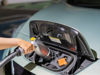 世界は「脱ガソリン車」の流れ…日本も新車販売禁止推進=韓国の反応