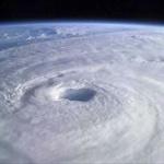 【悲報】台風25号さん、うっかりスーパーカーブを披露してしまう