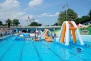 【東京】としまえんプールで救助の女児が死亡 浮き遊具の下に潜り込む・練馬