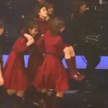 『【欅坂46】紅白の平手友梨奈の卒倒は『演出の範囲内』だった模様・・・』の画像