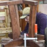 『テーブル・椅子完成。木登りジミー』の画像