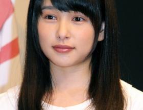 【悲報】岡山の奇跡こと桜井日奈子さん、鼻くそつけて表舞台に出る
