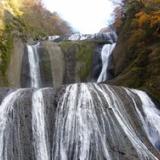 紅葉・袋田の滝