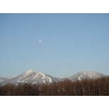 『雫石スキー場と月』の画像