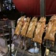 【豚】 子豚の丸焼きを食べてきました! Moohun Song Phi Nong