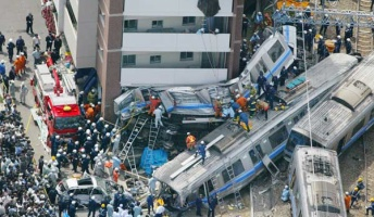 JR福知山線脱線事故のヤバさは今思い出しても身震いするよな・・・