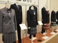 イマドキの女子高生の制服スカートは短く出来ないようになってるらしい(´;ω;`)