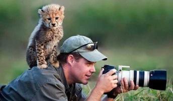 お、カメラマンやんけ!