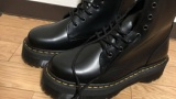 ワイ、カッノからバレンタインプレゼントとして靴をいただく(※画像あり)