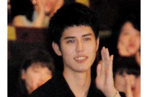 【芸能】セクゾ中島と寛一郎があやしい関係…芳根京子が明かす、2人は手をつないで…のサムネイル画像