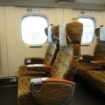私「ここ空いてますか」 女性「指定席券を買ってあります」 新幹線で、私は虚を突かれた思いがした…