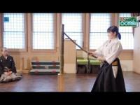 【モーニング娘。'18】加賀楓と森戸知沙希が抜刀術を学ぶ第2回。森戸知沙希が真剣の試し切りに挑戦!