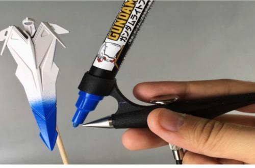 【朗報】ガンプラの塗装に革命起きる「ガンダムマーカーエアブラシシステム」がすごEのサムネイル画像