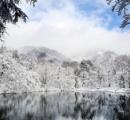 雪化粧の刈込池 「まるで山水画」