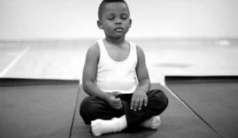 学校の居残り指導を「瞑想」に変えたら出席率が上がった話
