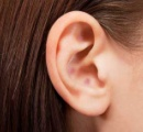 アメリカでイジメに遭わないようにするために耳を整形する子供が増加